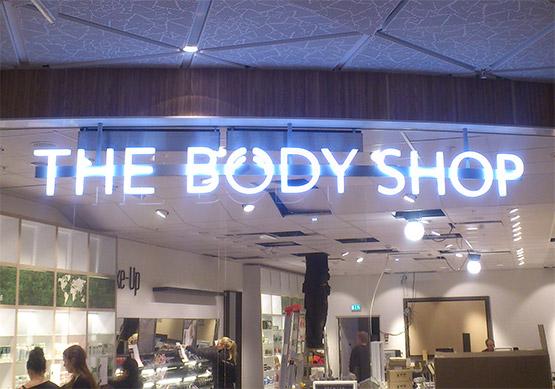 4Sign Skelleftea - Skyltning till The Body Shop